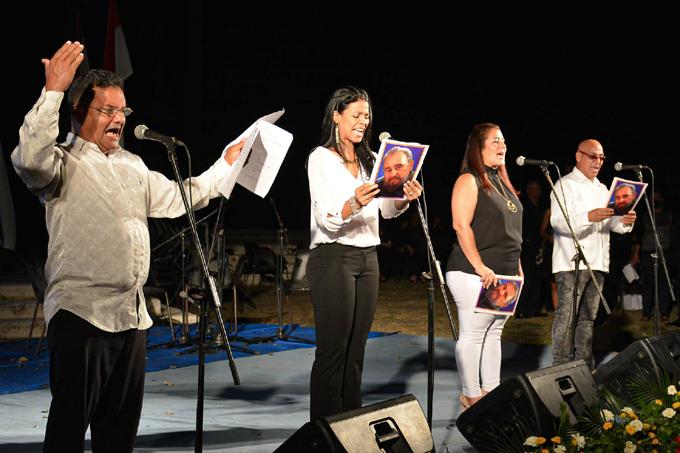 Artistas granmenses rinden homenaje a Fidel