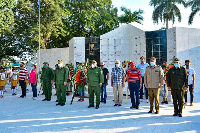 Rinden homenaje en Bayamo a caídos en misiones internacionalistas (+fotos y audio)