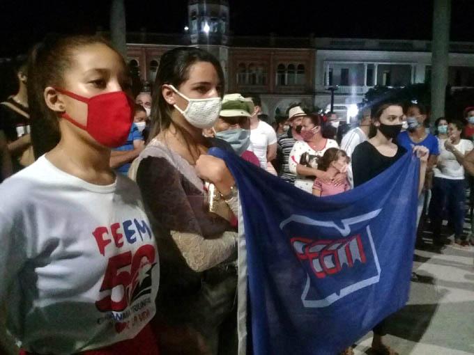 Íntimos y fuertes sentimientos patrióticos convocan al Campanazo (+ fotos)