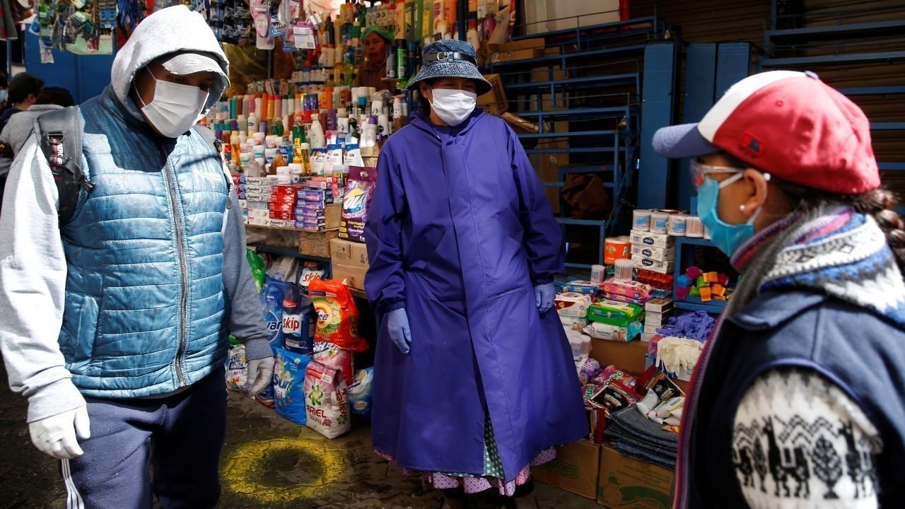 Bolivia levanta restricciones sanitarias para reactivar economía