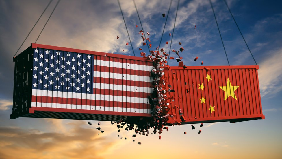 China señala a EE.UU. tras golpe a empresas en mercado bursátil
