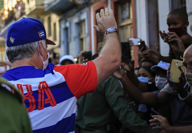 Rechaza presidente de Cuba injerencia y dominación de EE.UU.