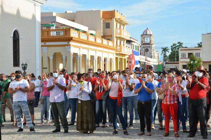Alzan sus voces jóvenes bayameses para condenar provocaciones mercenarias