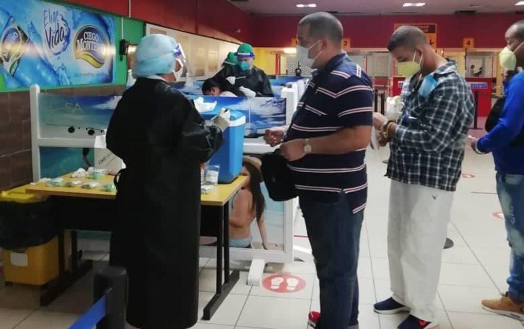 Incrementa Cuba protocolos sanitarios ante arribo de visitantes foráneos