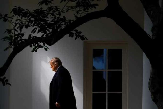 Seguidores de Trump en EE.UU. le piden que se autoperdone