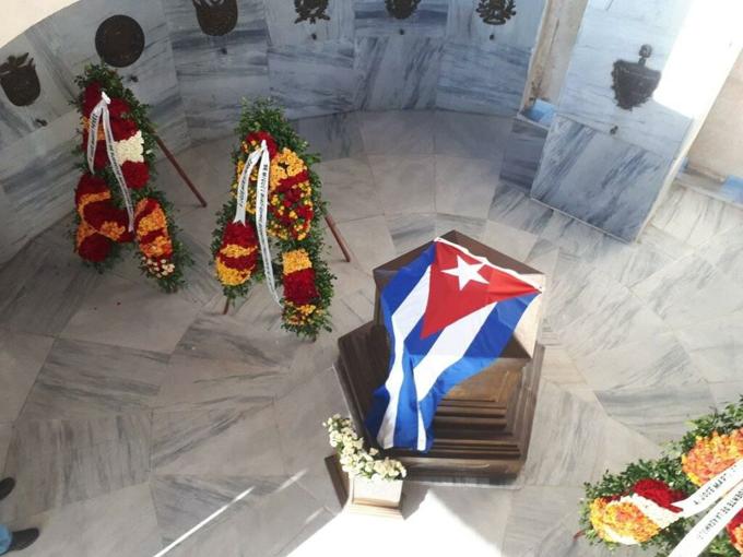 Santiagueros honran a José Martí por el aniversario 168 de su natalicio