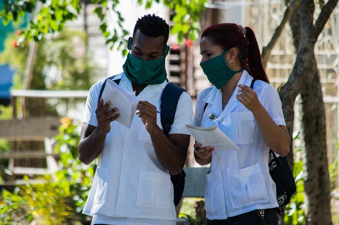 Informan adecuaciones sobre curso escolar de Ciencias Médicas