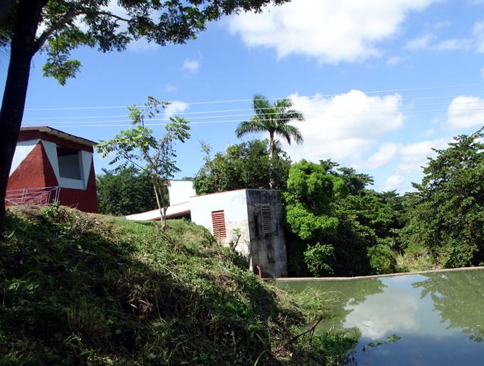Certifican 10 obras hidráulicas en Granma