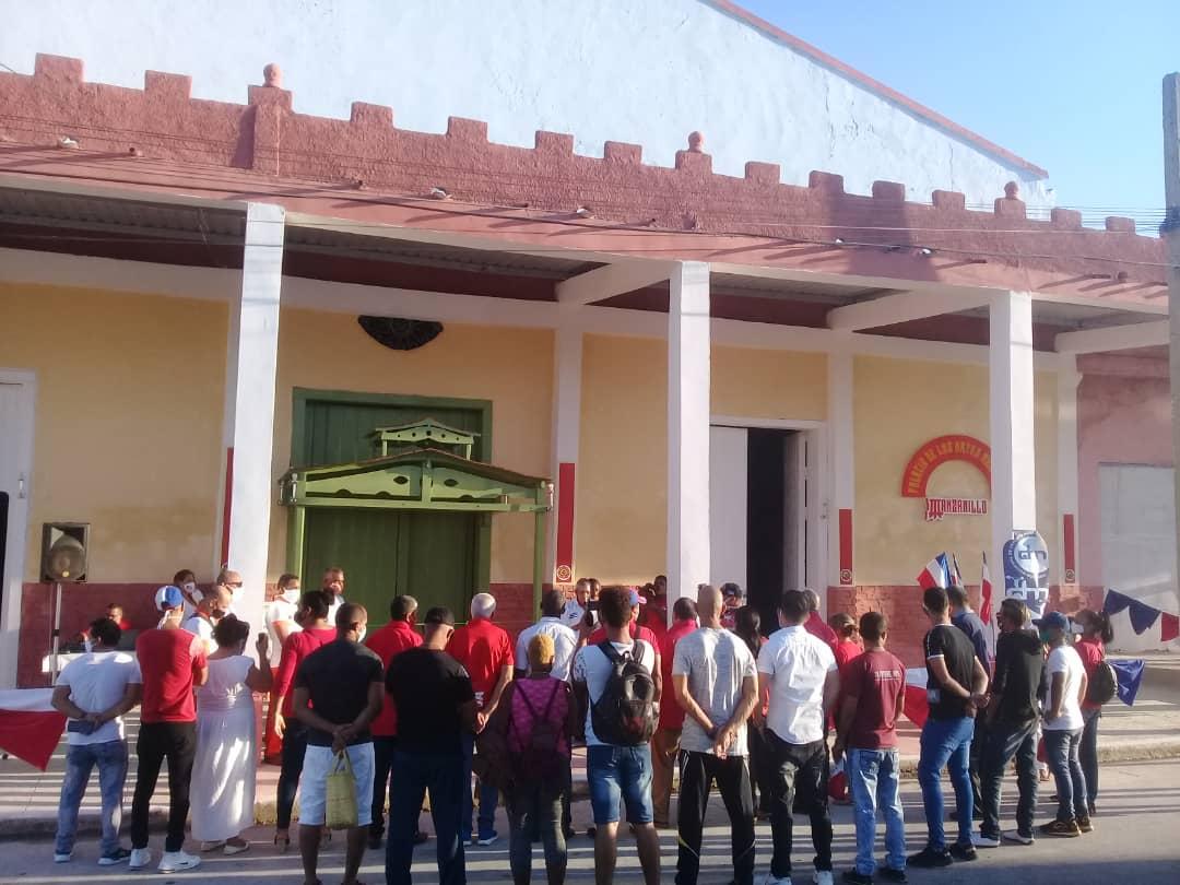 """""""Gran slam"""" de Deportes Manzanillo (+ fotos)"""
