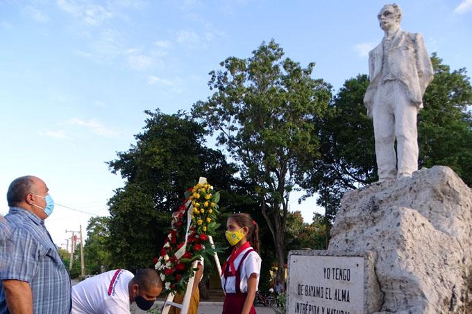 Rinden homenaje a Martí en Granma