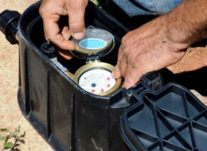 Instalan más de seis mil nuevos metro contadores de agua