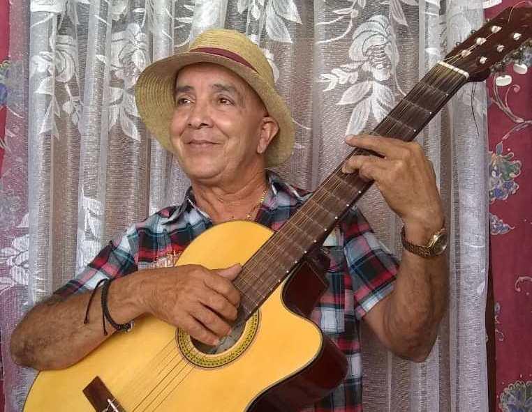 Cuando la guitarra suena, música trae