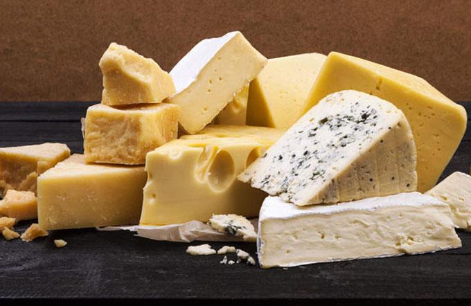 Alertan sobre impacto negativo del queso en el sistema cardiovascular