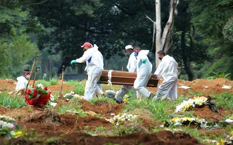 Récord de muertes y contagios Covid-19 marcó semana en Brasil