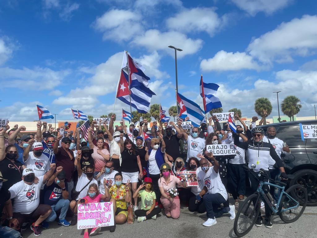 Agradece Díaz-Canel apoyo solidario de caravanas contra el bloqueo en Estados Unidos y Canadá