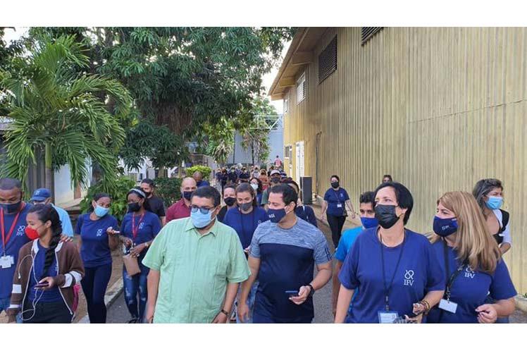 Científicos de Cuba en ensayo de intervención de Soberana 02