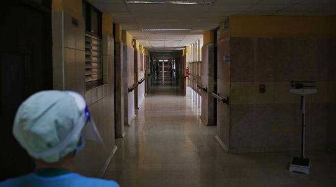 Zona Roja: mujeres cubanas en primera línea contra la COVID-19
