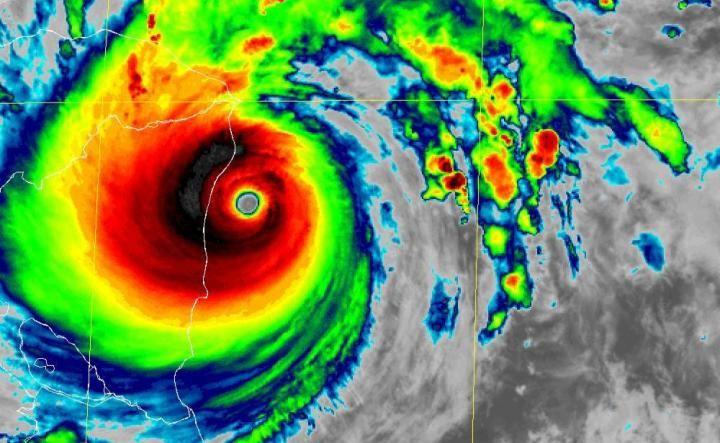 A debate proyecciones de temporada ciclónica del Atlántico 2021