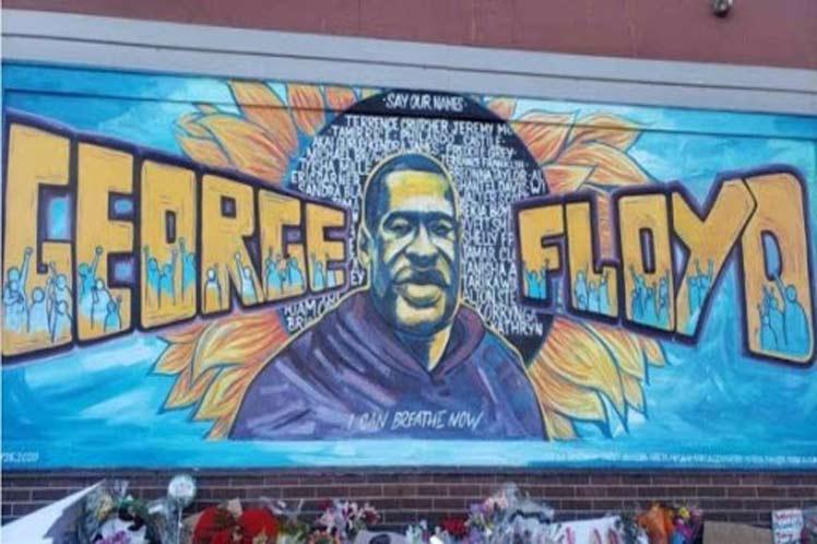 Reconsideran cargos en juicio por asesinato de Floyd en EE.UU.