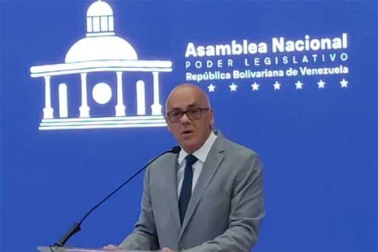 Oposición de Venezuela insiste en saqueo de activos de la nación