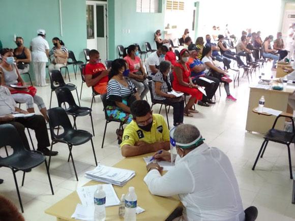Se aplica en Bayamo segunda dosis de candidato vacunal Abdala