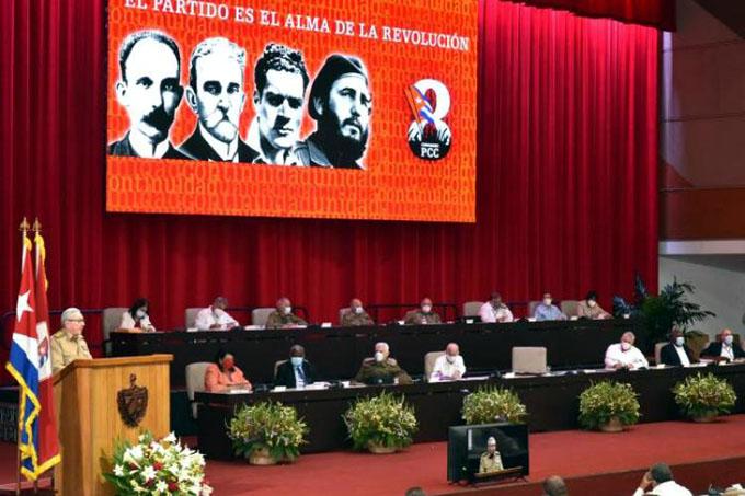 Aprueba 8vo Congreso del Partido Resolución sobre la Actualización de la Conceptualización del Modelo Cubano de Desarrollo Socialista