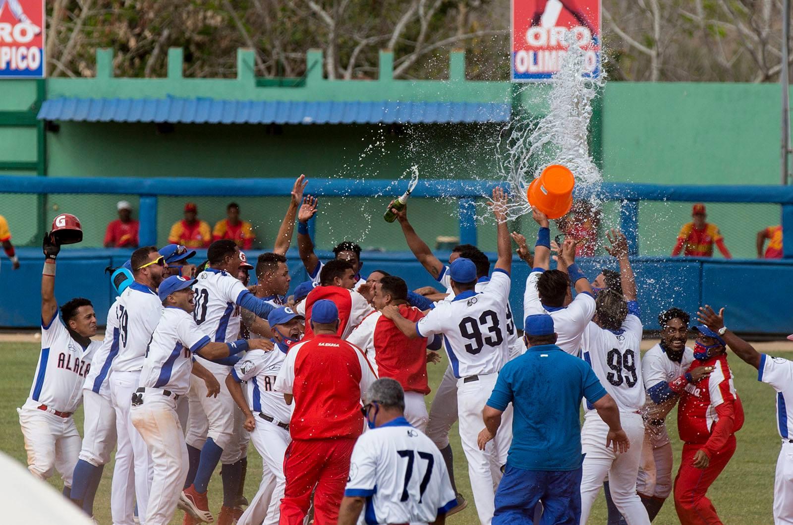 Presidente Díaz-Canel felicita a nuevo campeón de béisbol en Cuba