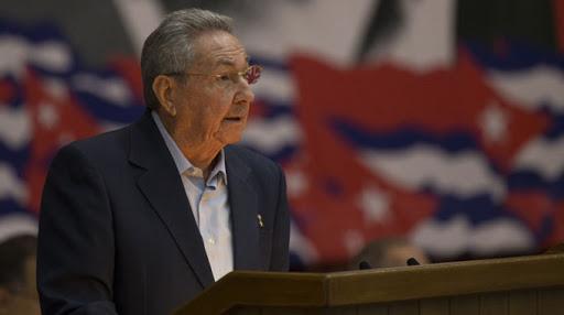 Preside Raúl sesión plenaria del 8vo.Congreso del Partido