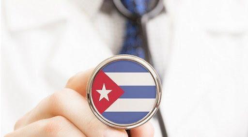 Arriban a Gabón 159 profesionales de la salud de Cuba