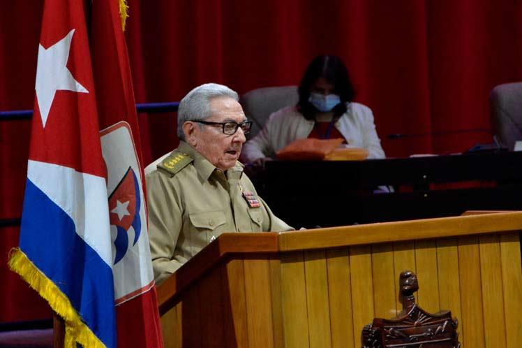 Fustiga Raúl Castro guerra económica de EEUU contra Cuba