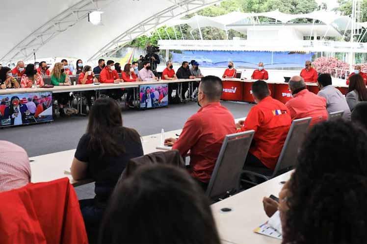 Socialistas venezolanos prepararán primarias para elecciones