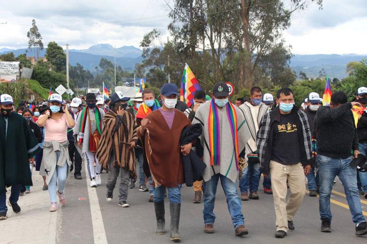 Indígenas en Colombia reclaman sus derechos (+Fotos)