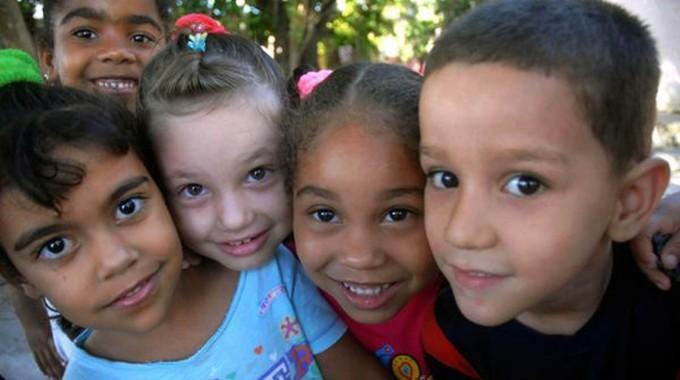 Cuba, apuntes sobre la adopción de menores