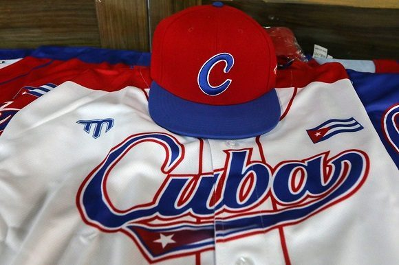 Béisbol de Cuba viaja a EEUU para intervenir en preolímpico