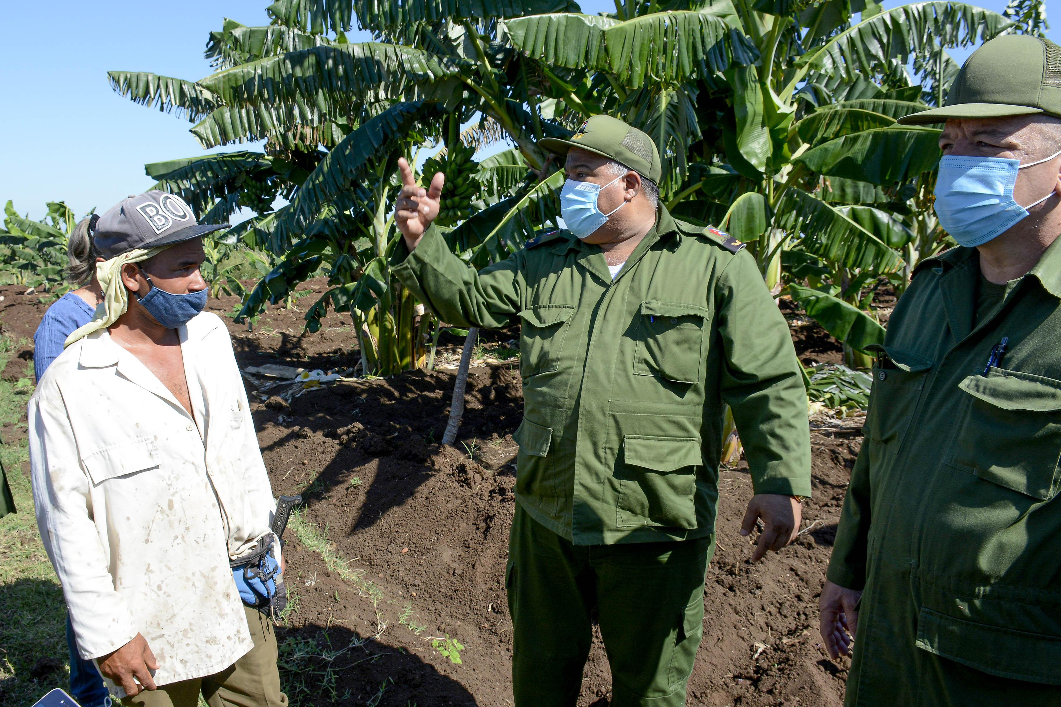 Realizan autoridades granmenses intenso intercambio en Bayamo