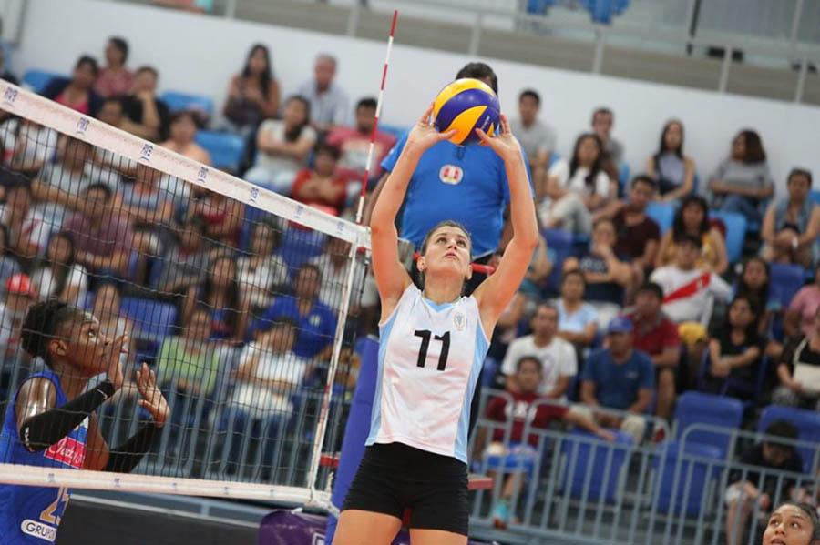 Gretel a un paso de la final en voleibol de Perú