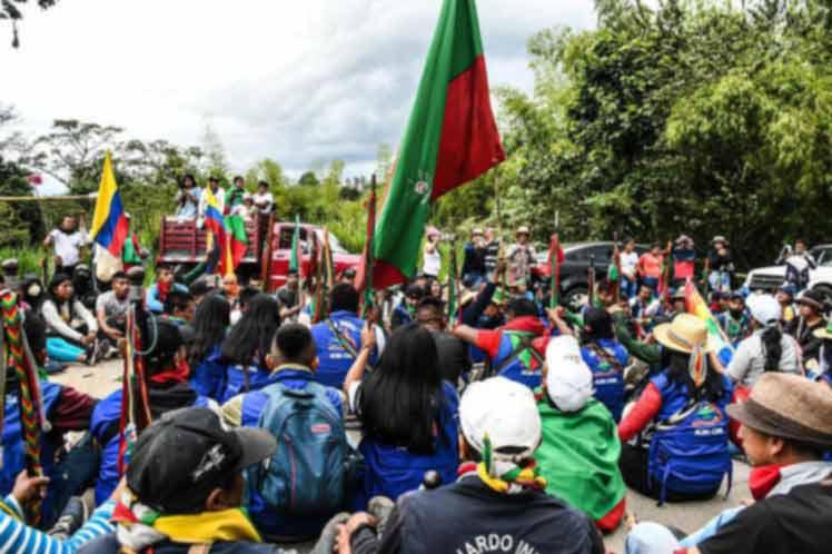 Minga indígena en asamblea permanente para reforzar paro en Colombia (+ Fotos)