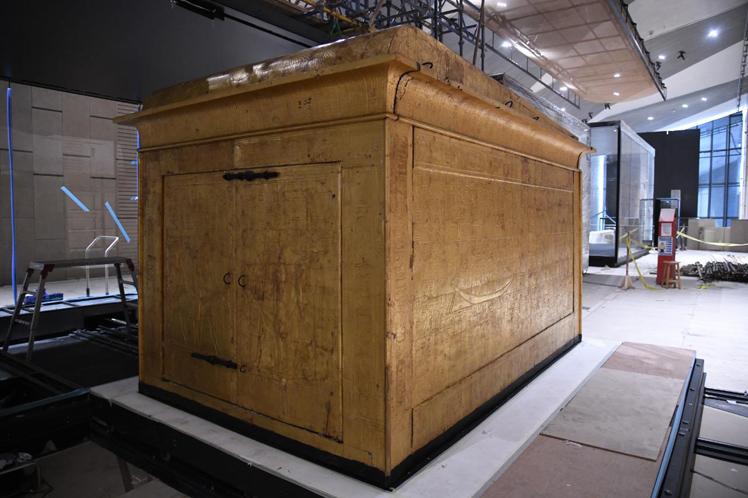 Instalan tercera cabina de Tutankamón en Gran Museo Egipcio (+Fotos)