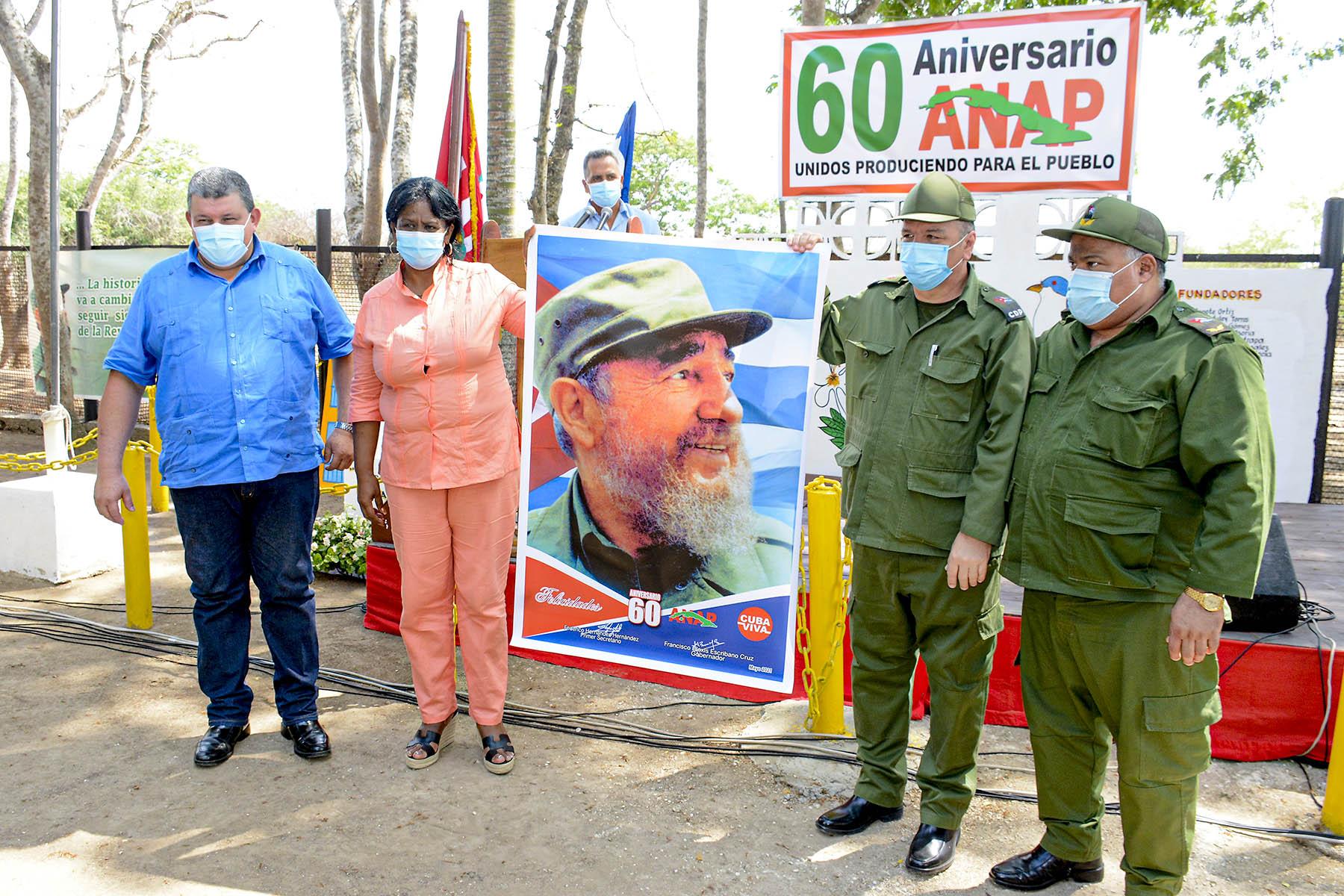 Ratifican campesinos compromisos con la Revolución
