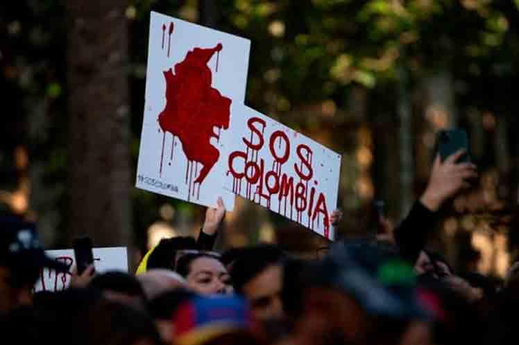 Rectores ven en diálogo solución a crisis en Colombia