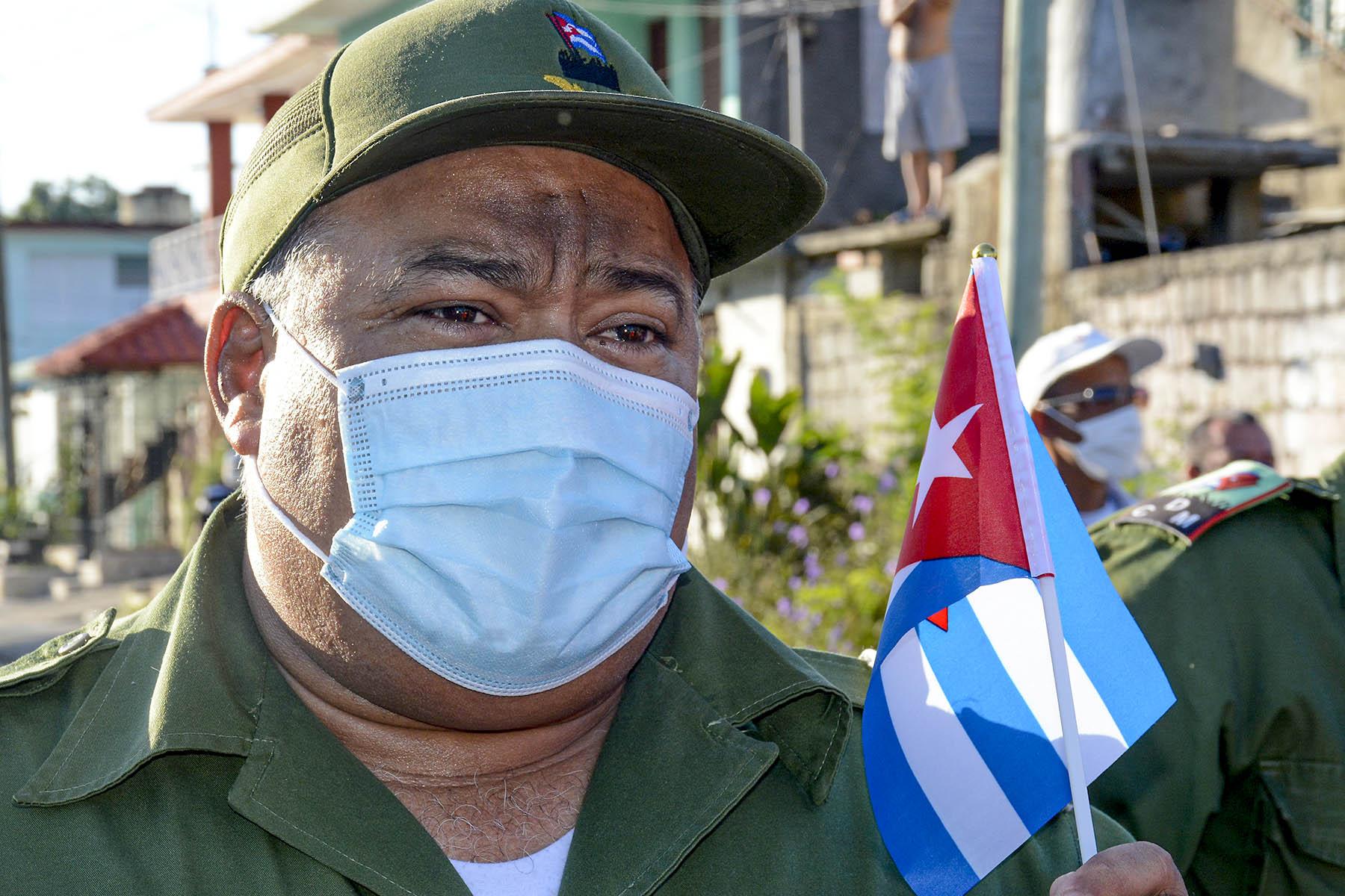 Junto al Partido los trabajadores seguirán defendiendo la Revolución