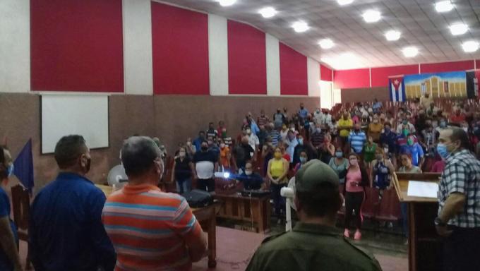 Accionan en Niquero sobre la base de documentos rectores del 8vo Congreso del Partido