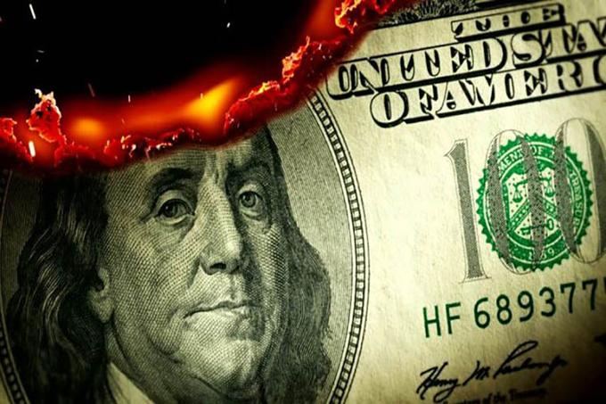 Hegemonía del dólar muestra señales de decadencia