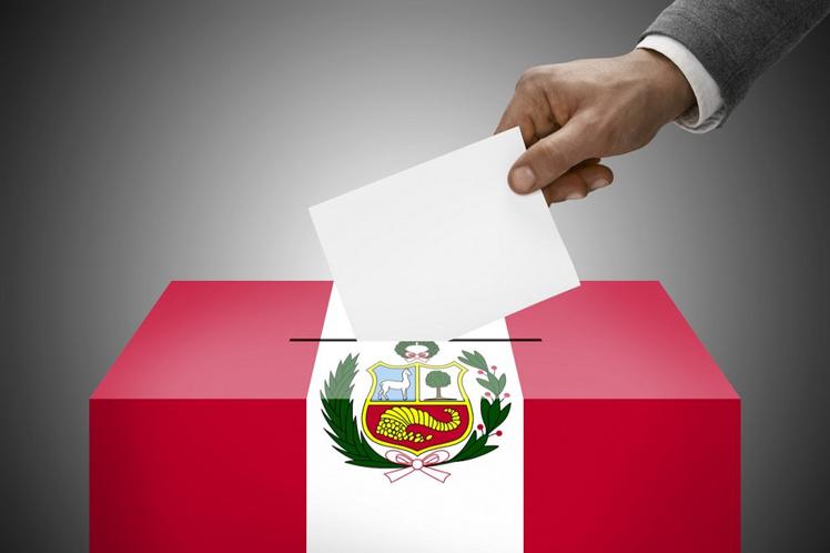Jornada incierta de cierre de movilizaciones electorales en Perú