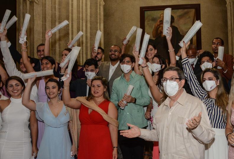 Felicita canciller cubano a Instituto de Relaciones Internacionales en su 40 aniversario