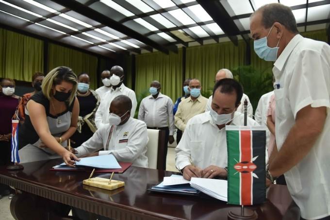 Cuba y Kenia suscriben convenios de colaboración médica