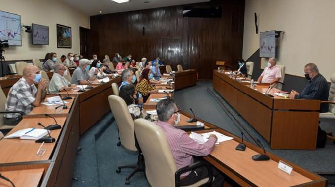 Actualiza Cuba su protocolo de atención a graves y críticos por COVID-19