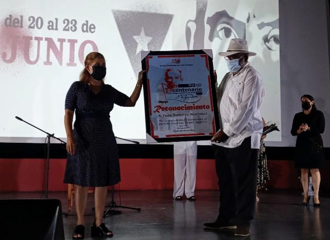 Presentan en Bayamo documental El Padre de la República