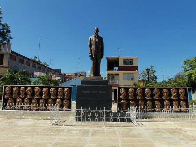 Homenaje a Francisco Vicente Aguilera en el bicentenario de su natalicio