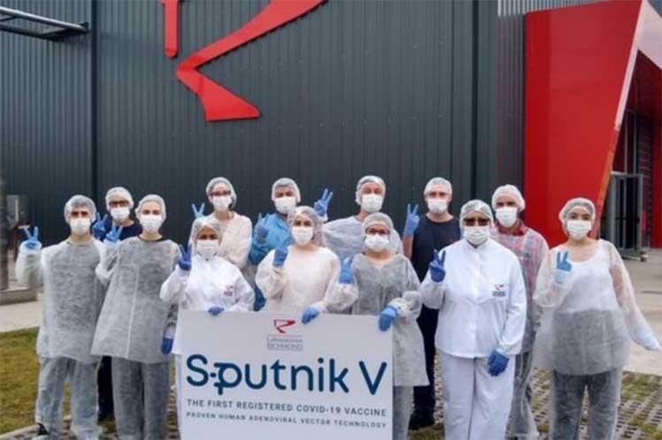 Fernández y Putin anunciarán producción de Sputnik V en Argentina